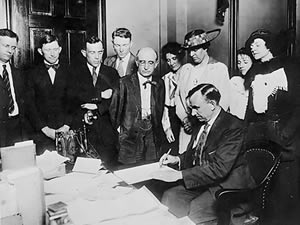 Signing of the 19th amendment